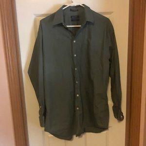Nautica green long sleeve dress shirt soft poplin.